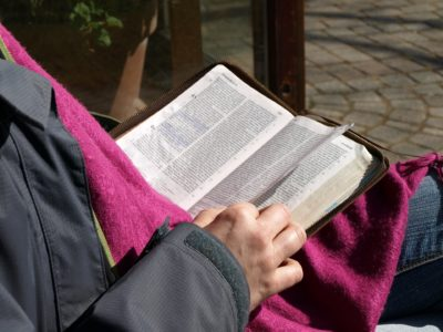 "BUILD A BIBLE READING HABIT (3 ""Ps"" to Get You Started)"